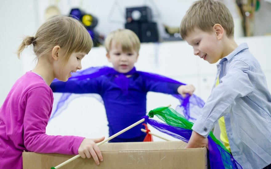 Ar vaikams išties reikia brangių žaislų? Edukologė siūlo neįprastas dovanų idėjas