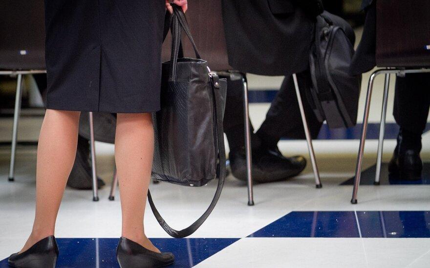 Advokatų, notarų ir antstolių pajamos nustebino juos pačius