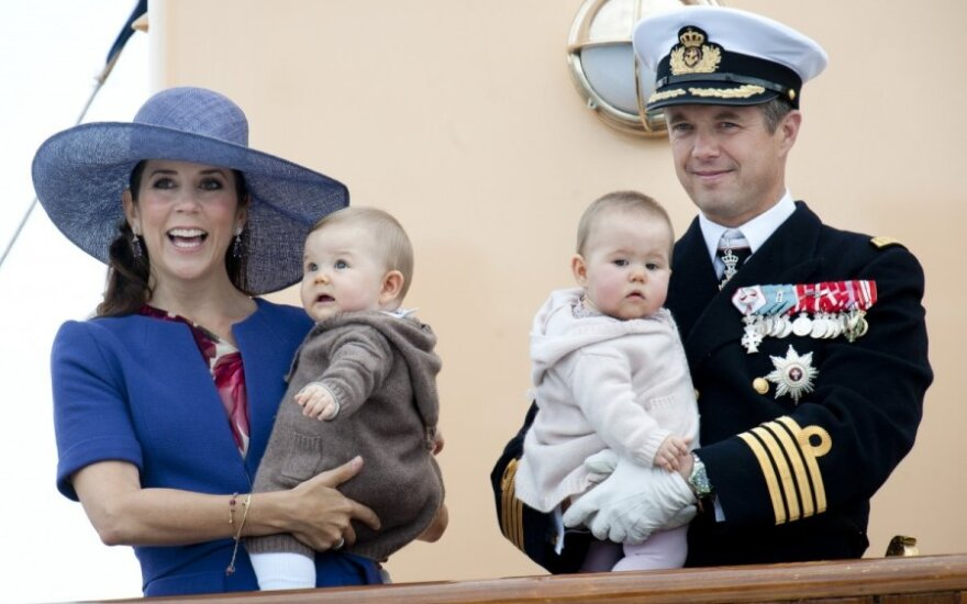 Danijos kronprincesė dėl karalienės vyro mirties atšaukė vizitą į Lietuvą