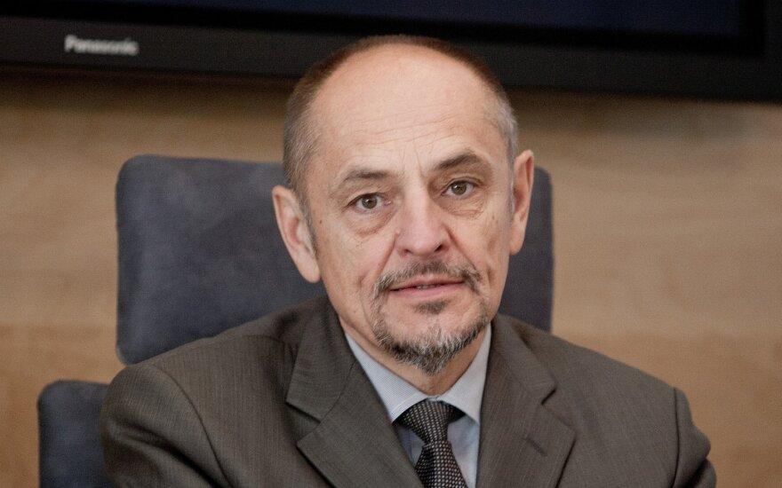 Algimantas Kirkutis. Nuo gydymo – į švietimą