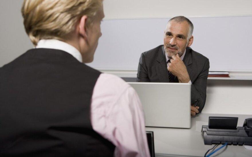 Darbdaviai ieško ne tų, kurie ieško darbo