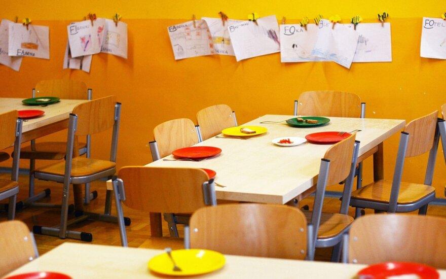 Maistą į kaimo darželius tiekianti įmonė nuo rugsėjo vaikus paliko be pietų: per didelė prabanga