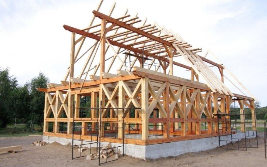 Norvegai namus stato Lietuvoje ir veža pas save