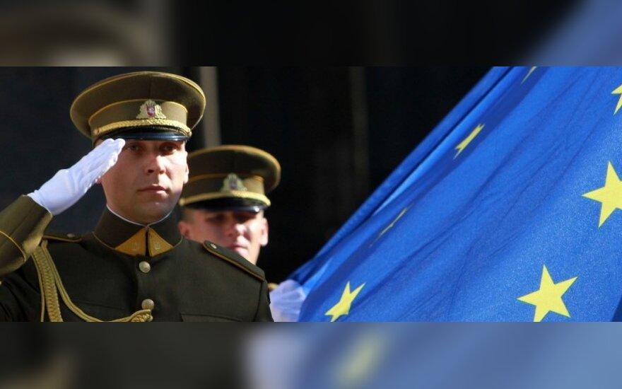 Lietuvos dešimtmetis ES: vis dar įsimylėję iki ausų