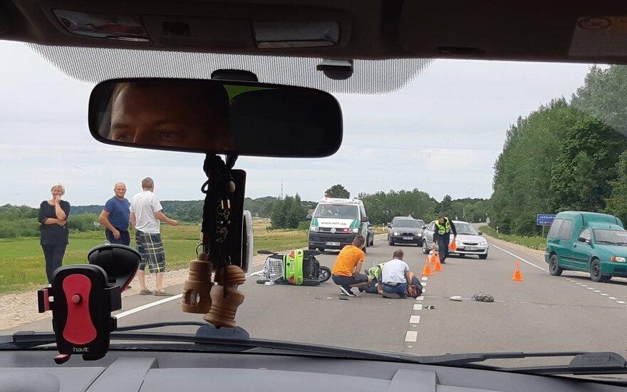 Kelyje Jurbarkas-Kaunas dėl avarijos ribojamas eismas