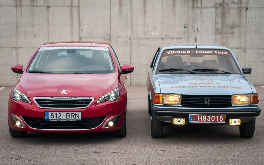 """Naujas """"Peugeot 308"""" ir 1983 m. """"Peugeot 305"""""""