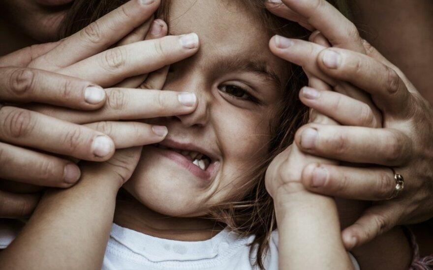 Kuo gali baigtis tėvų mėginimai auklėti diržu