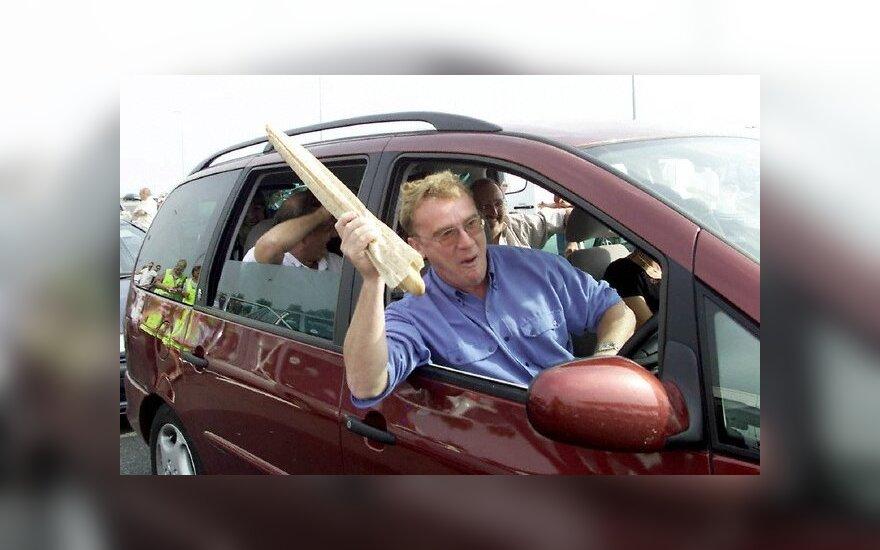 Britai bus baudžiami už šiukšlinimą per automobilio langą