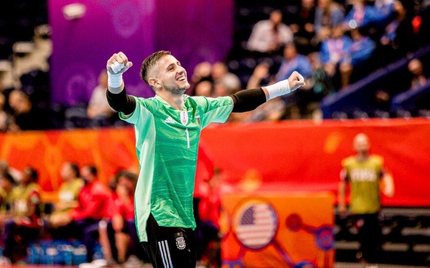 Į pasaulio salės futbolo čempionato pusfinalį iškopė Argentinos ir Brazilijos rinktinės