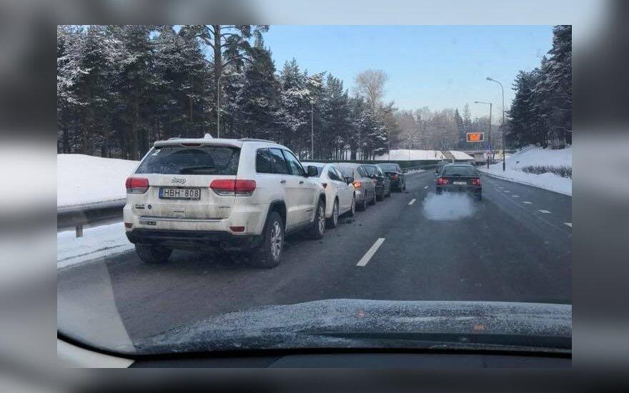 Avarija sostinės Geležinio Vilko gatvėje – susidūrė 7 automobiliai