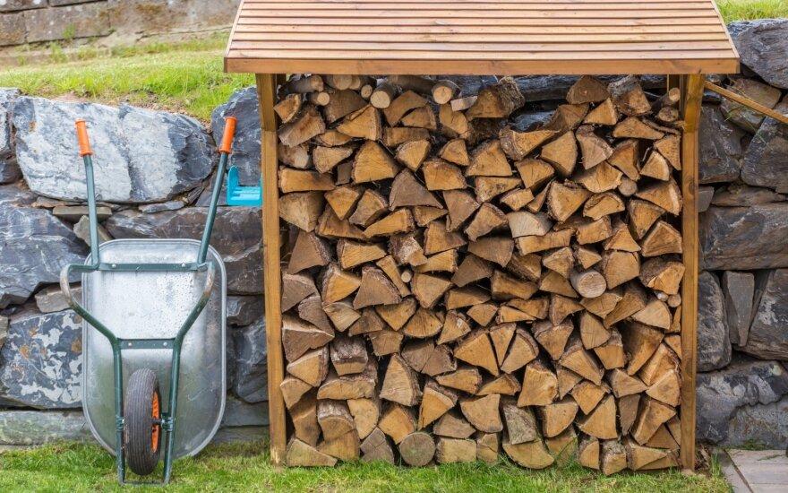 Malkoms, medžio ir šiaudų granulėms siūloma taikyti lengvatinį PVM tarifą
