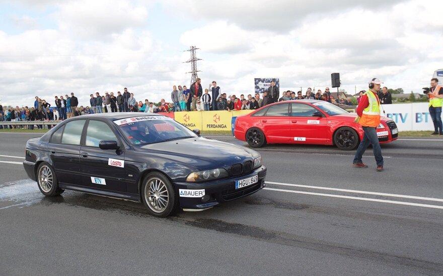 Automobilių traukos lenktynės