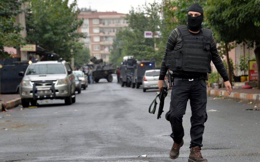 """Per reidus Turkijos policija sulaikė 40 įtariamų """"Islamo valstybės"""" kovotojų"""