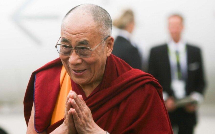 Nesijaučiate laimingas? Štai 20 Dalai Lamos XIV citatų apie laimę, užkrėsiančių gyvenimo džiaugsmu