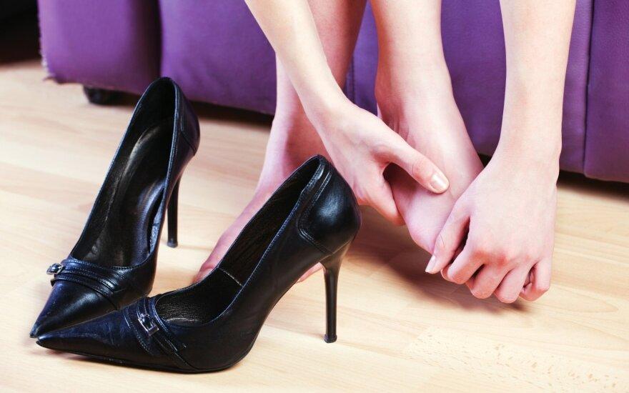 Išvaduokite kojas nuo nuospaudų
