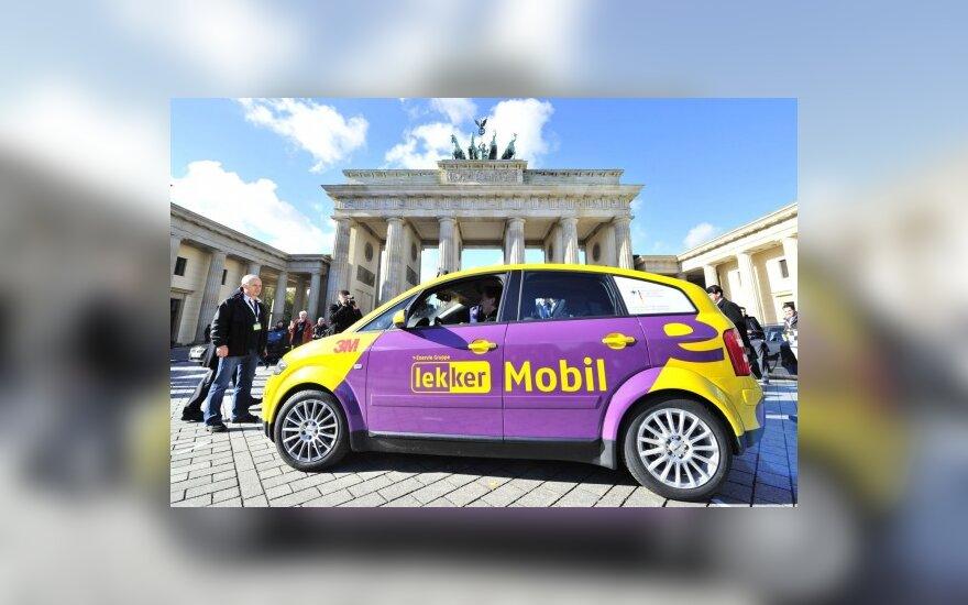 """Vokietijoje """"Audi"""" elektromobilis nuvažiavo rekordinį atstumą"""
