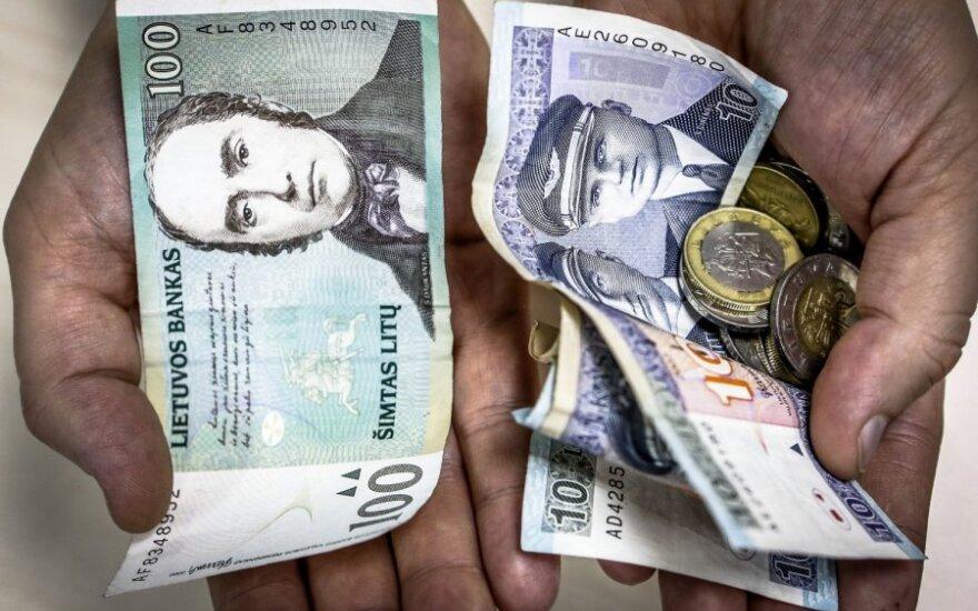 Pasieniečio žmona: sąžiningų mokesčių mokėtojų lėšos lengva ranka taškomos apsimetėliams