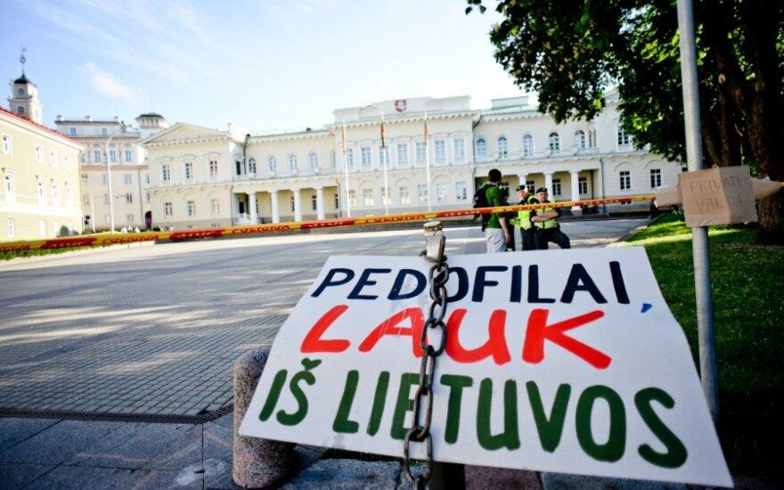Po tariamos pedofilijos skandalo pareigų netekusi prokurorė skundžiasi Strasbūrui