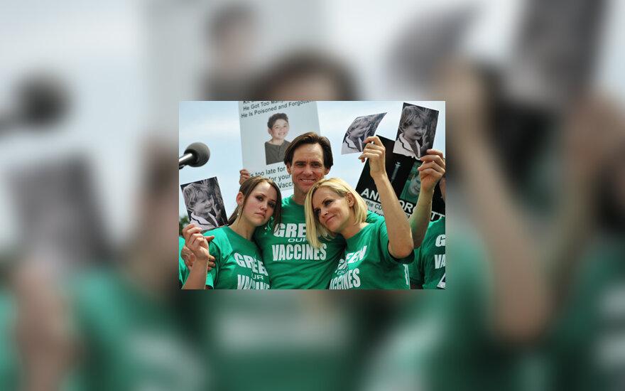 Jimas Carrey, jo duktė Jane (kairėje) ir Jenny McCarthy