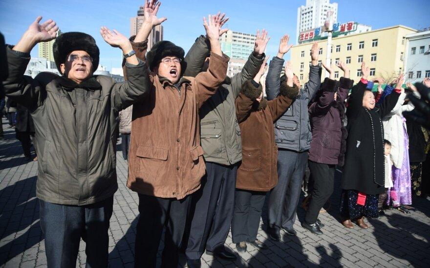 Šiaurės Korėjos piliečiai dirba Rusijoje – juos lygina su vergais