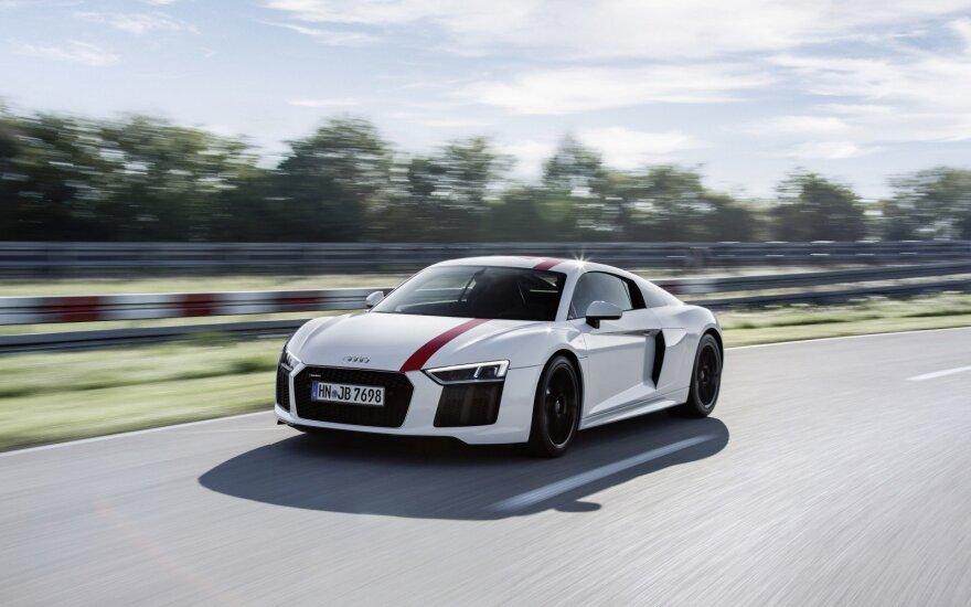"""Jau testuojamas 2018 metais pasirodysiantis """"Audi R8"""" su 2,9 litrų V6 varikliu"""