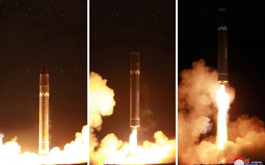 Šiaurės Korėjai giriantis branduoliniu arsenalu JAV ragina derėtis