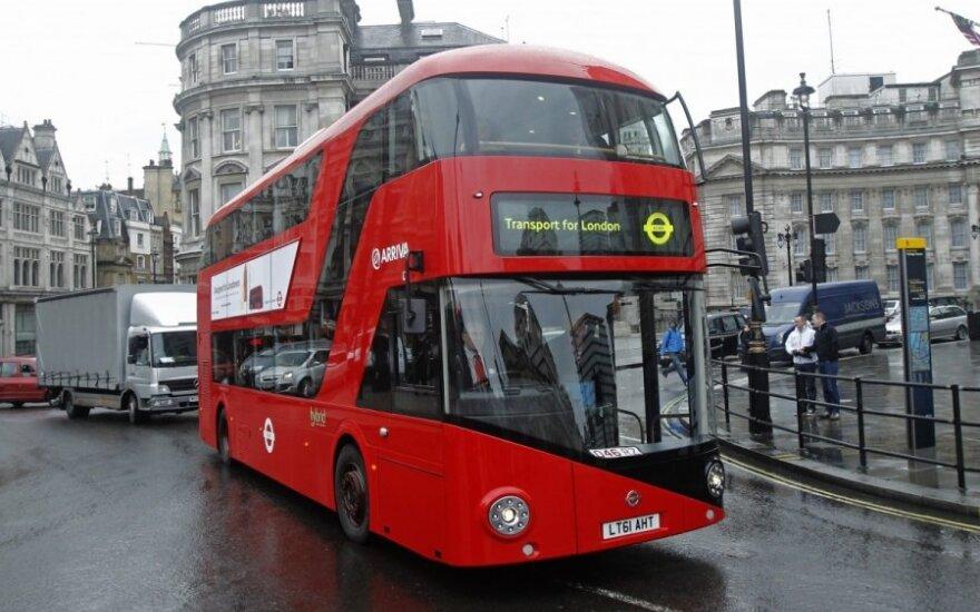 Londone kursuos daugiau aplinkai draugiškų autobusų