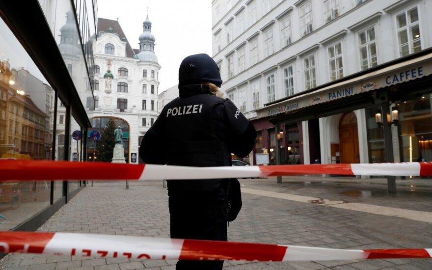 Austrijos policija Vienoje ieško šaulio