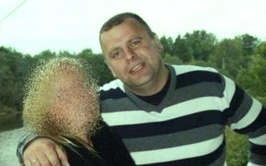 Grįžtant į Lietuvą dingo jurbarkietis vairuotojas ir tralas su automobiliais