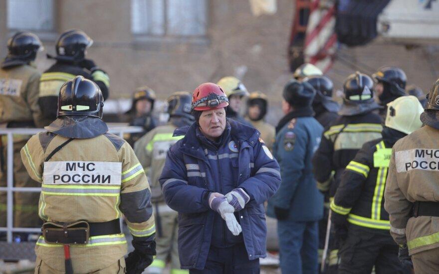 Sprogimo Rusijos daugiabutyje aukų daugėja, dingusių – vis dar ieškoma