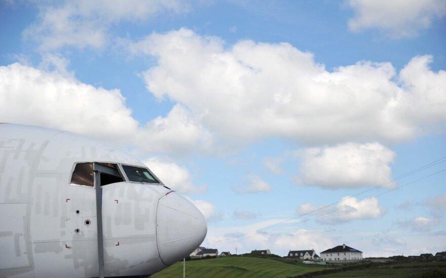 """""""Boeing"""" 2017 m. pristatė rekordinį skaičių komercinių lėktuvų"""
