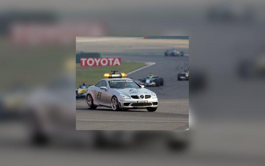 """Pakoreguotas 2009 m. """"Formulės-1"""" čempionato tvarkaraštis"""
