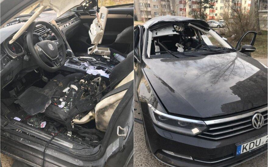 """Vieno iš """"Maximos"""" vadovų automobilis susprogdintas – nusikaltimas stebina įžūlumu ir kvailumu"""