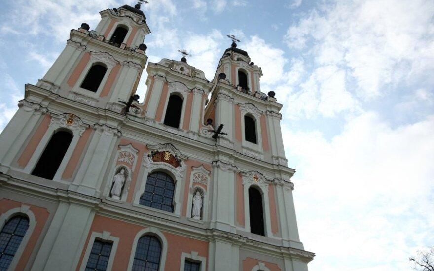 Prie Šv.Kotrynos bažnyčios be leidimų bandoma įrengti lauko kavinę