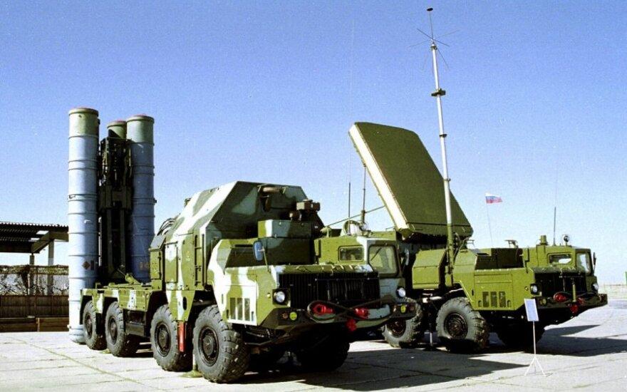 """Rusija sunaikins Sirijai skirtus """"S-300"""" kompleksus"""