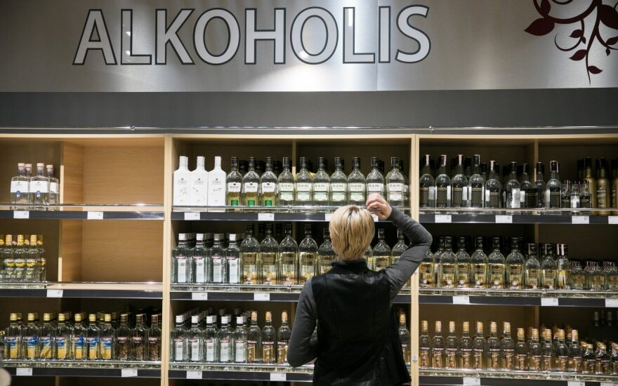 Seimas to decide on alcohol ads in foreign magazines in spring