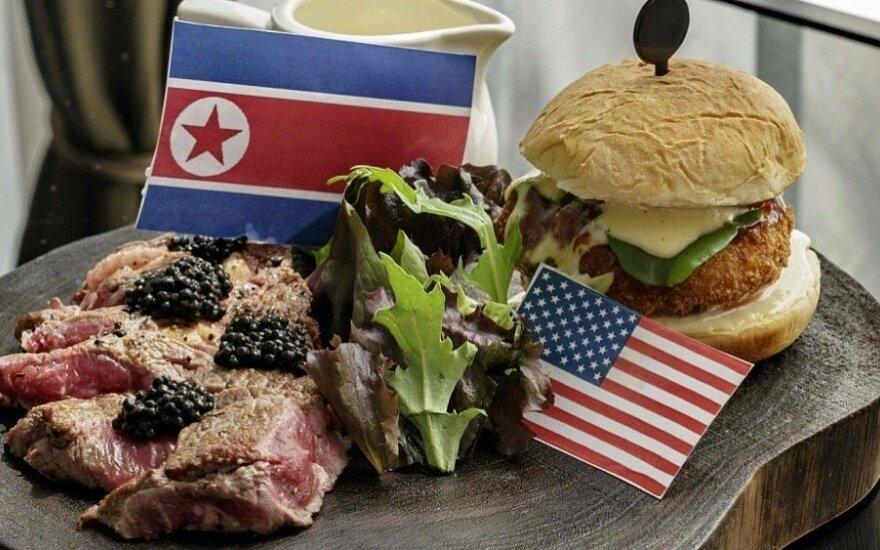 Singapūro prekybininkai ir restoranai rengiasi D. Trumpo ir Kim Jong Uno susitikimui / LRT stop kadras