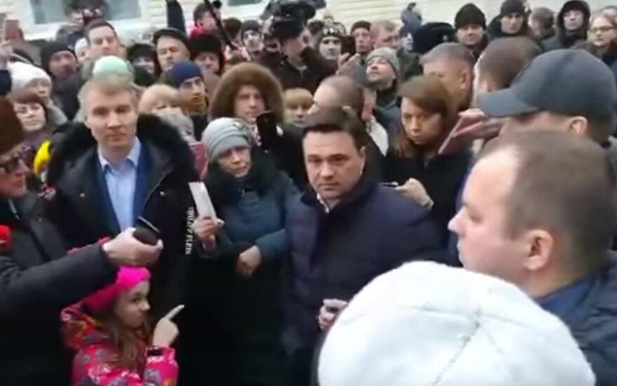 """Maskvos srities gubernatorius išsigando jam """"grasinusios"""" dešimtmetės"""