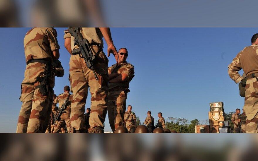 KAM: Lietuva kovinių veiksmų Malyje nesvarsto