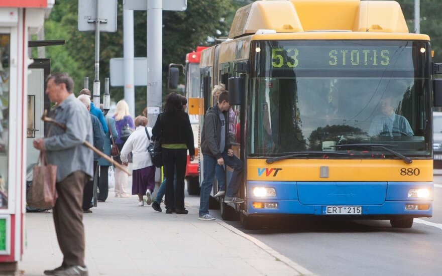 Vilnius mayor intent on putting English signs on buses