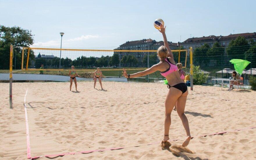 Paplūdimio tinklinis / FOTO: Arnas Pelaitis