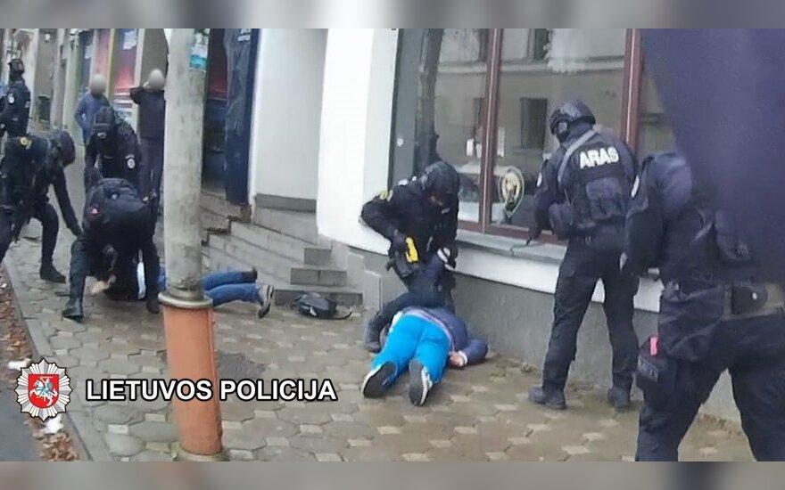 Metų seklys: gaujos jautėsi drąsiai, bet policija išdaužė visus