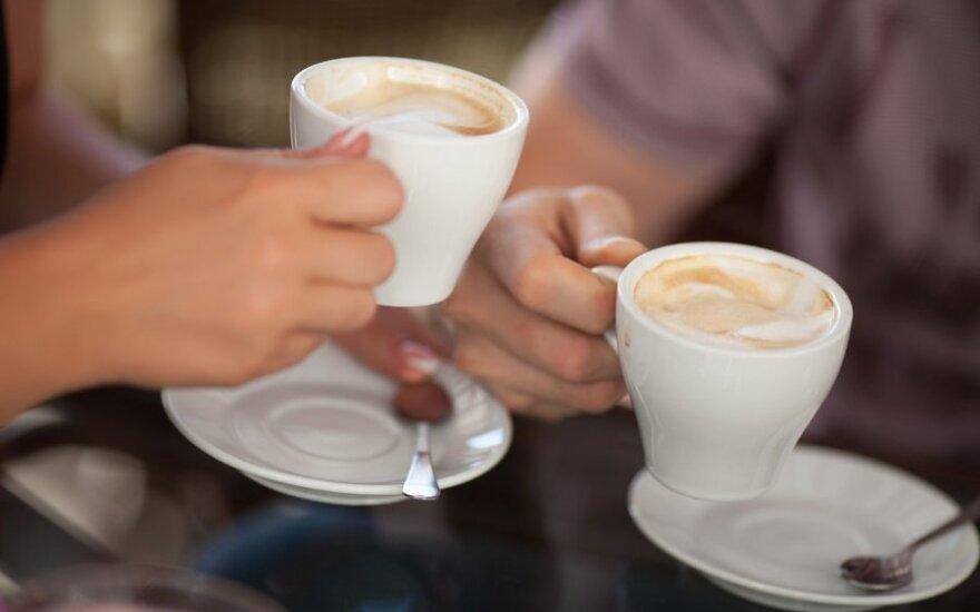 Papiktino aptarnavimas kavinėje: kavą liepė nusinešti patiems ir išėjo parūkyt
