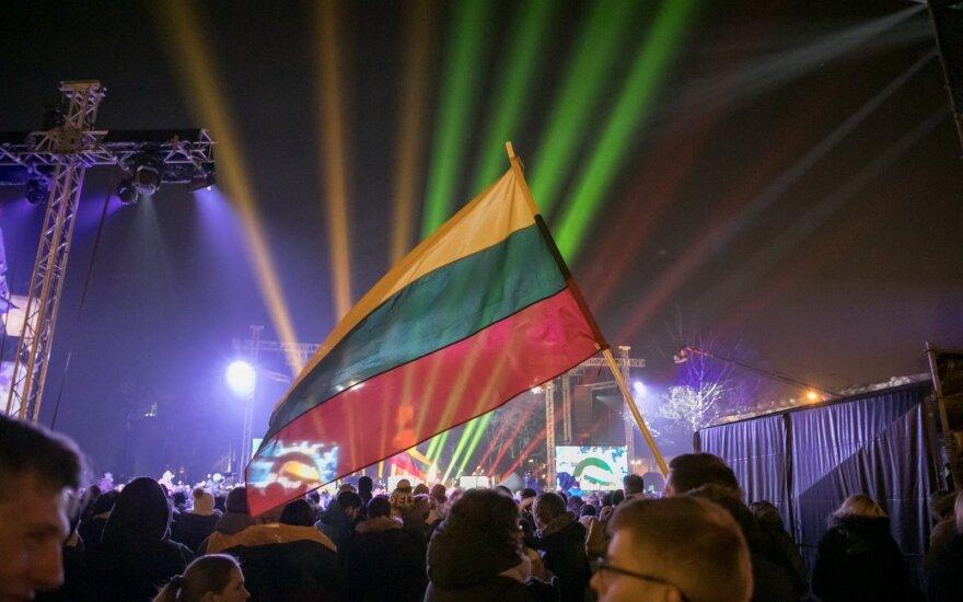 В День имени Литвы в цветах литовского флага предстанут вильнюсские мосты и Три креста