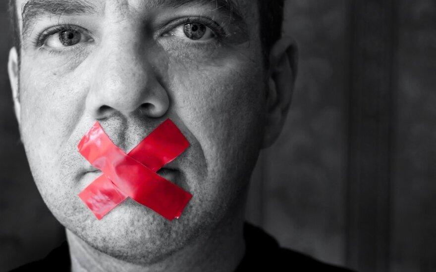 Žodžio laisvė, tyla, draudimas, baimė, užkimšta burna