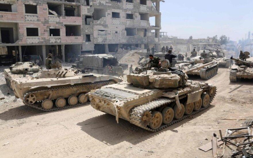 Sirija stiprina pajėgas pasienio regione