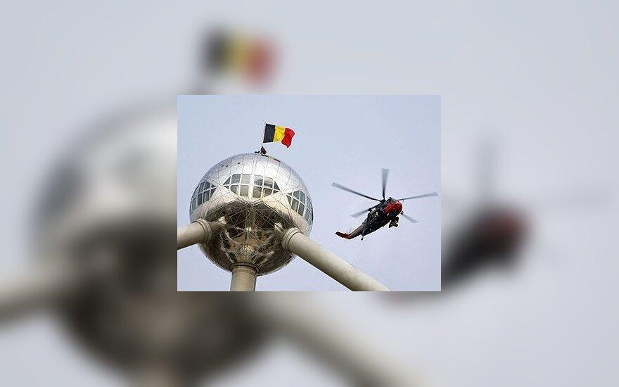 Belgijos vėliava ant rekonstruoto monumento atomui Briuselyje