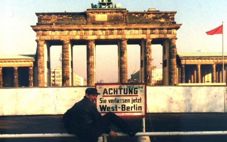 """Kadras iš filmo """"Geismas ir garsas Vakarų Berlyne (1979-1989)""""."""