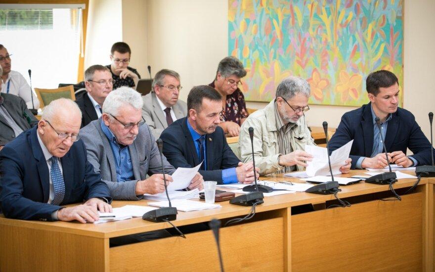 """Seimo Aplinkos komitetas persigalvojo - patvirtino """"valstiečių"""" siūlomą urėdijų pertvarką"""