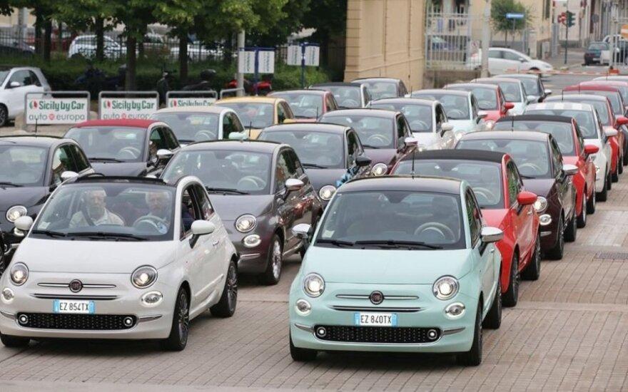 """Fiat"" atšaukia 85 tūkst. šiemet pagamintų automobilių"